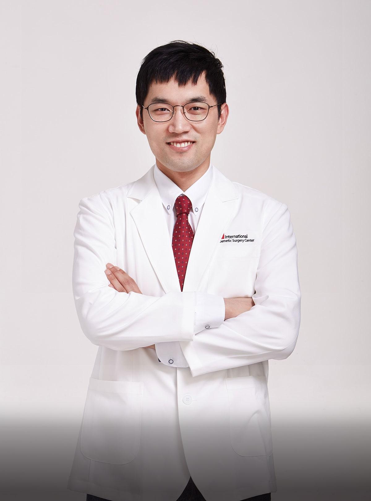 Dr. Cheol Woo Park MD. Ph.D.